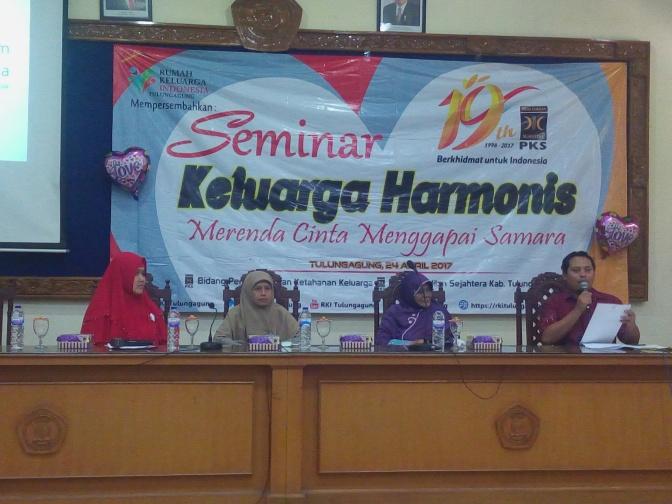 RKI mempersembahkan Seminar Keluarga Harmonis untuk Masyarakat Tulungagung